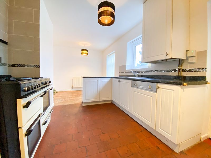 3 bed house to rent in Fleming Road 3