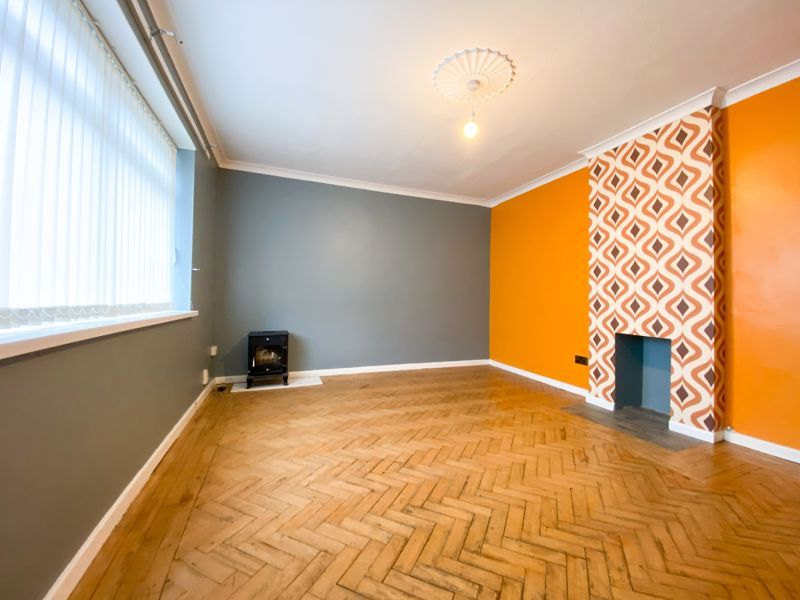 3 bed house to rent in Fleming Road 4