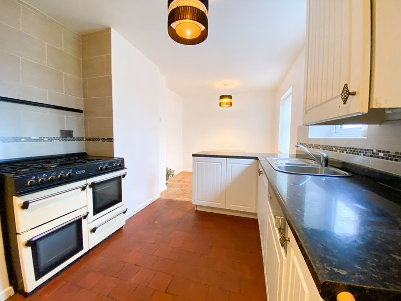 3 bed house to rent in Fleming Road 6