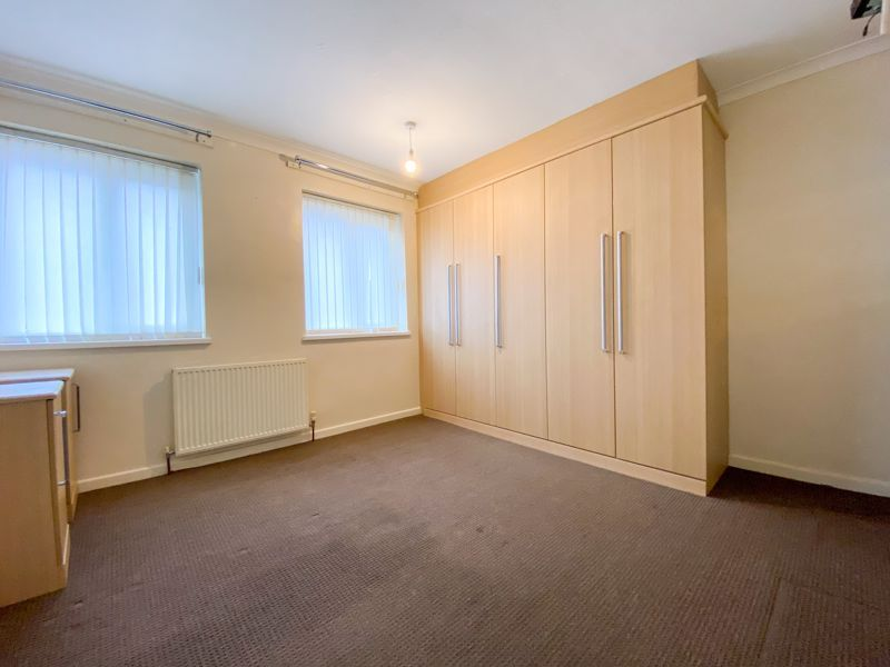 3 bed house to rent in Fleming Road 8