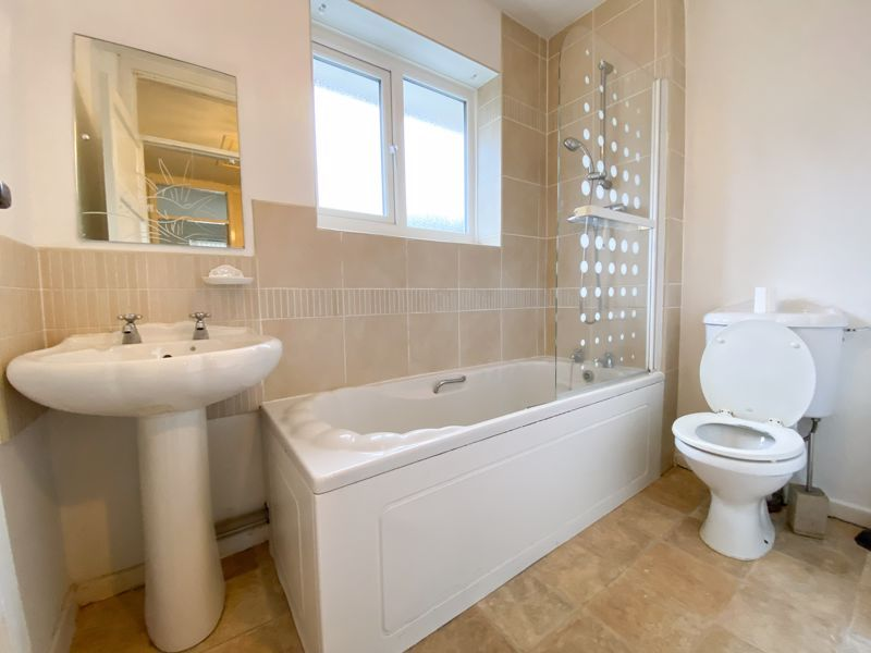 3 bed house to rent in Fleming Road 10