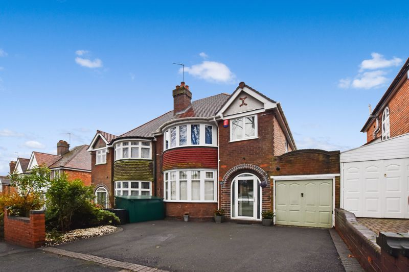 3 bed house for sale in Whitley Court Road 1