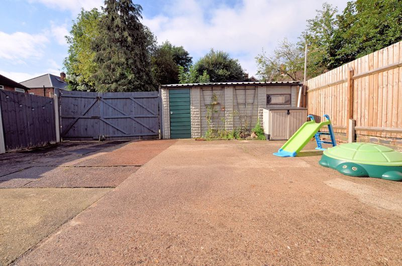 3 bed house for sale in Upper Meadow Road 16