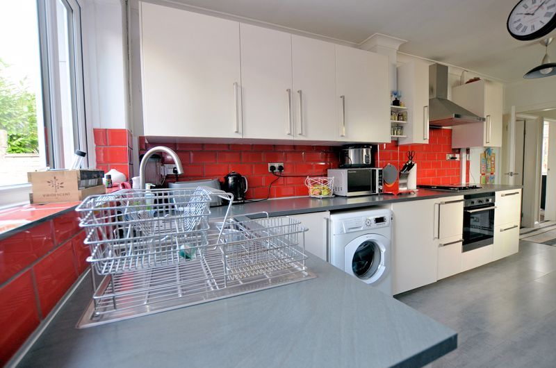 3 bed house for sale in Upper Meadow Road  - Property Image 10
