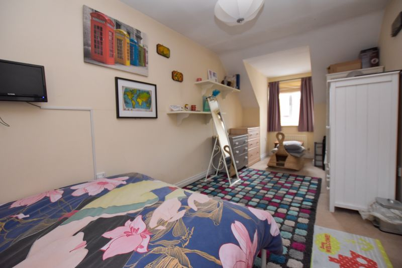 4 bed house to rent in Peartree Lane  - Property Image 11