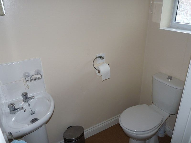 4 bed house to rent in Peartree Lane 15