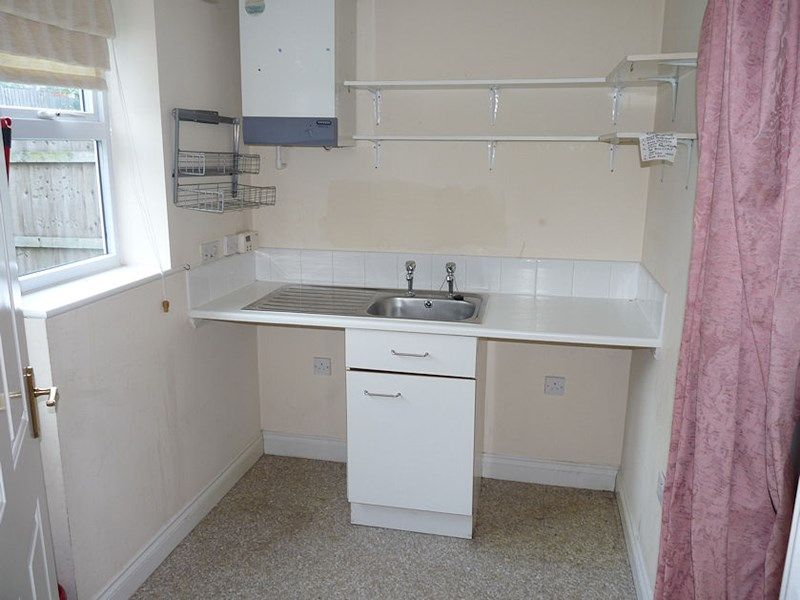 4 bed house to rent in Peartree Lane 16