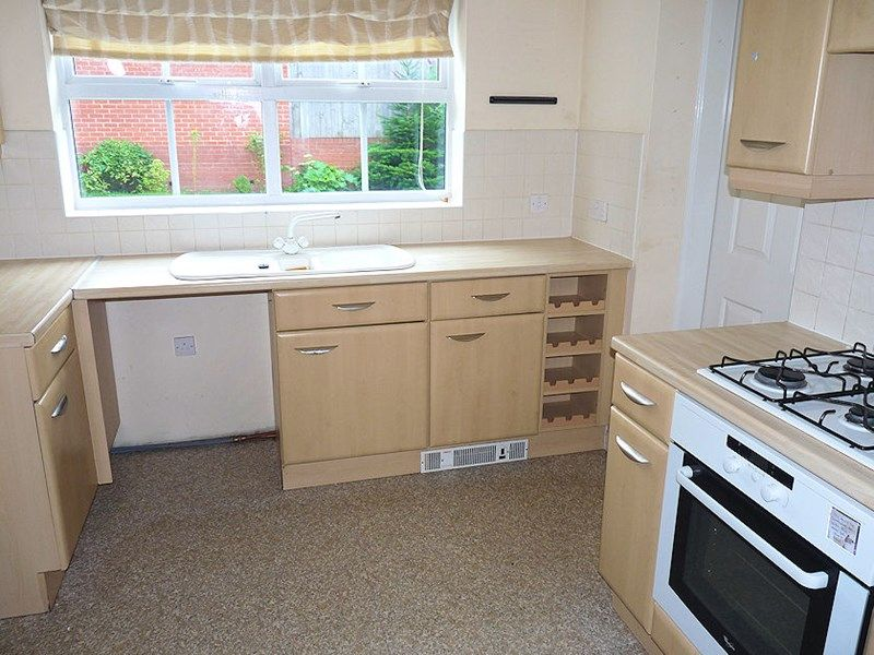 4 bed house to rent in Peartree Lane 4