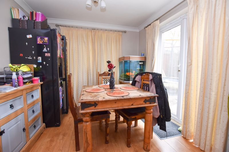 4 bed house to rent in Peartree Lane 5