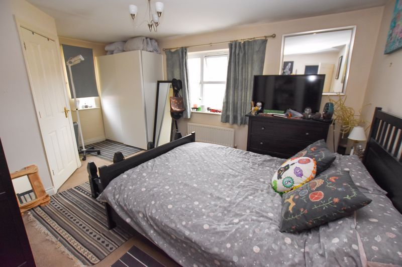 4 bed house to rent in Peartree Lane 8