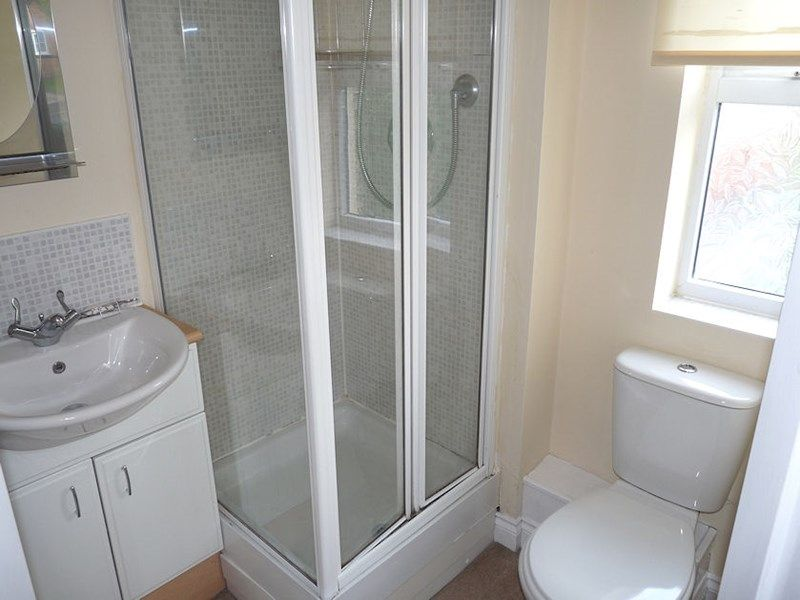 4 bed house to rent in Peartree Lane 9