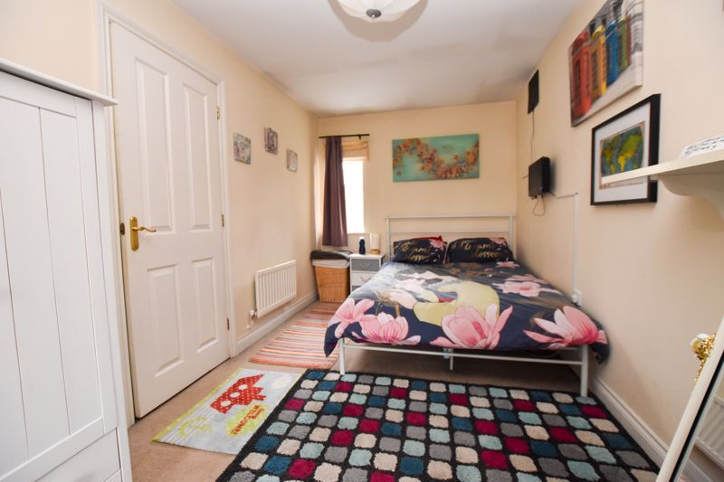 4 bed house to rent in Peartree Lane 10