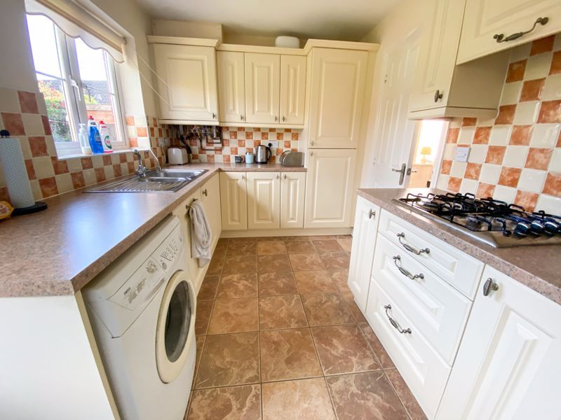 2 bed bungalow to rent in Lydate Road 2