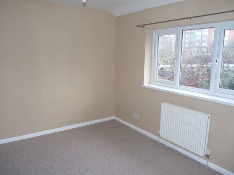 3 bed house to rent in Malvern Road 7