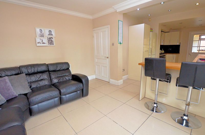 4 bed house for sale in Edenhall Road 13