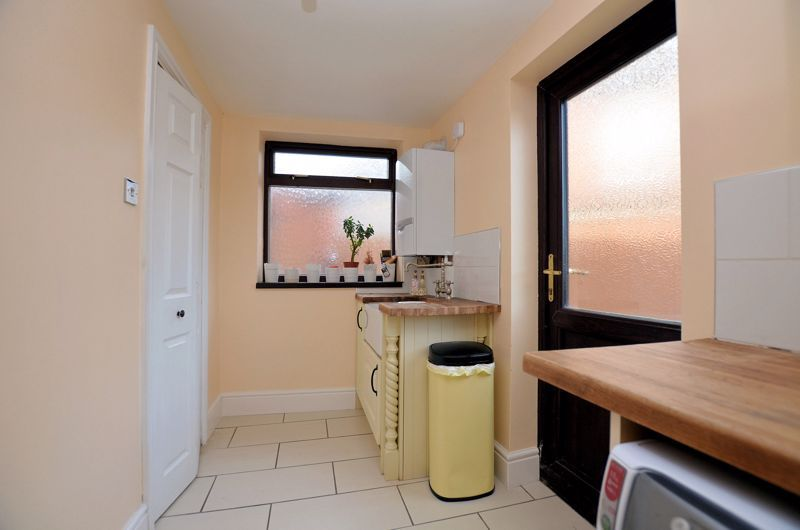 4 bed house for sale in Edenhall Road 16
