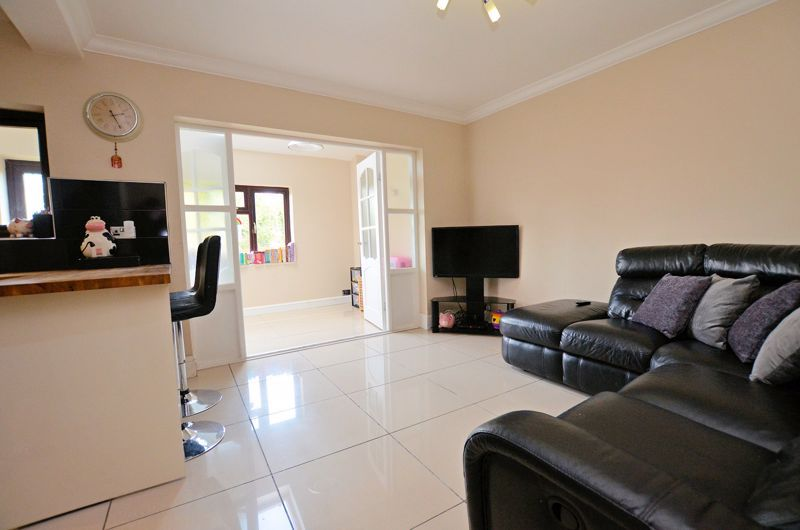 4 bed house for sale in Edenhall Road 4