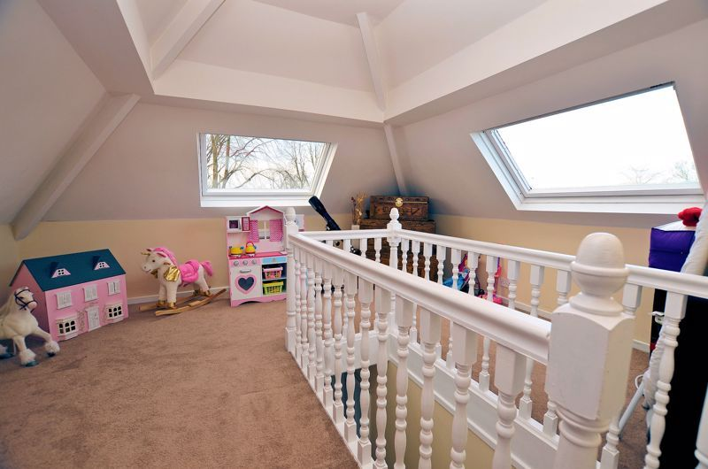 4 bed house for sale in Edenhall Road 10
