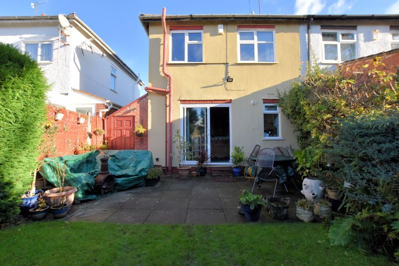 3 bed house for sale in Stanley Road 18
