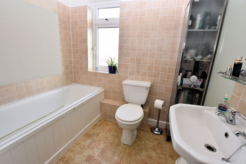 3 bed house for sale in Stanley Road  - Property Image 7