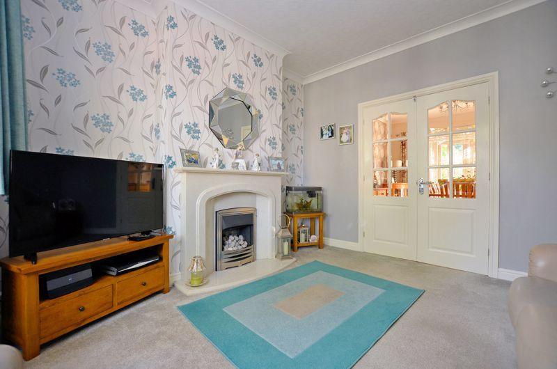 3 bed house for sale in Grayswood Park Road 14