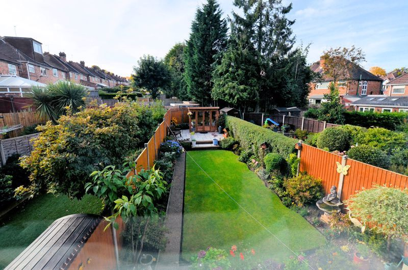 3 bed house for sale in Grayswood Park Road 16