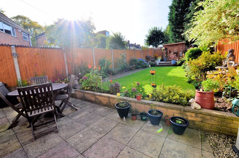 3 bed house for sale in Grayswood Park Road 17