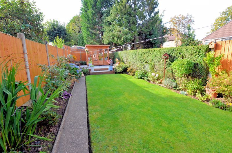 3 bed house for sale in Grayswood Park Road 18