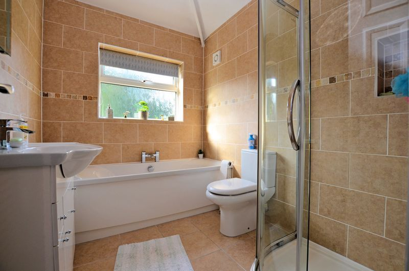 3 bed house for sale in Grayswood Park Road 8