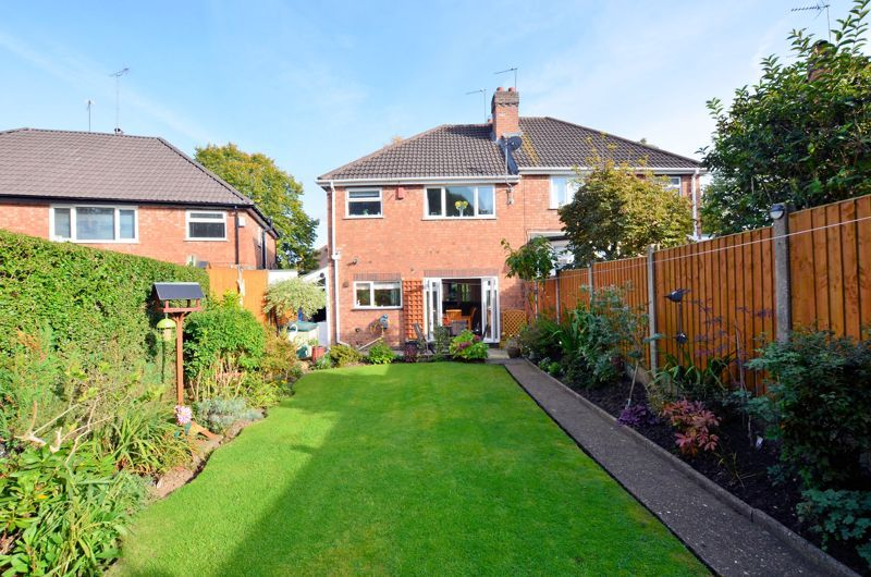 3 bed house for sale in Grayswood Park Road  - Property Image 10