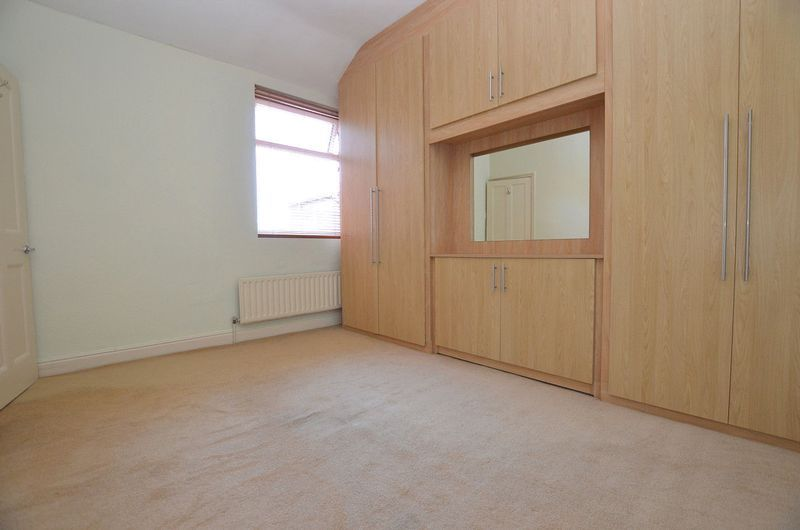 2 bed house to rent in Dunsford Road  - Property Image 8