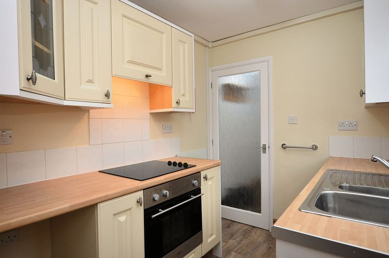 1 bed flat to rent in Stourbridge Road 2