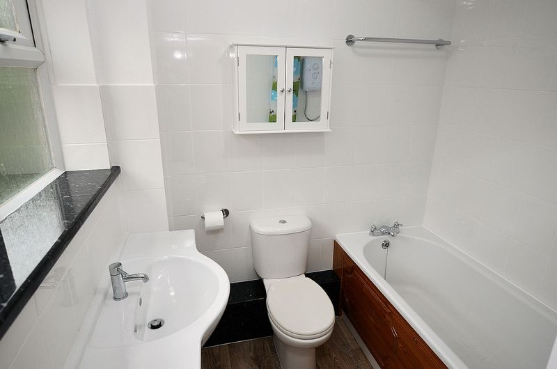 1 bed flat to rent in Stourbridge Road 3