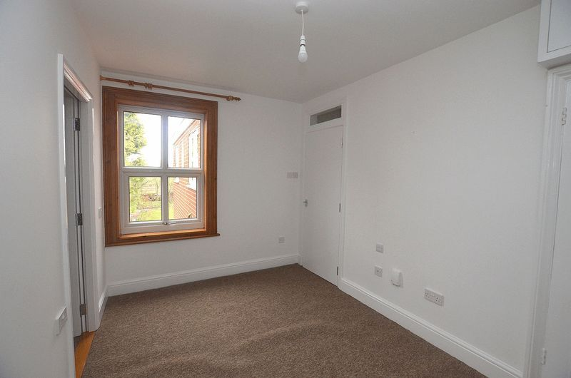 1 bed flat to rent in Stourbridge Road 5