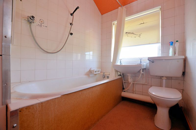 3 bed house for sale in Beechwood Road  - Property Image 7