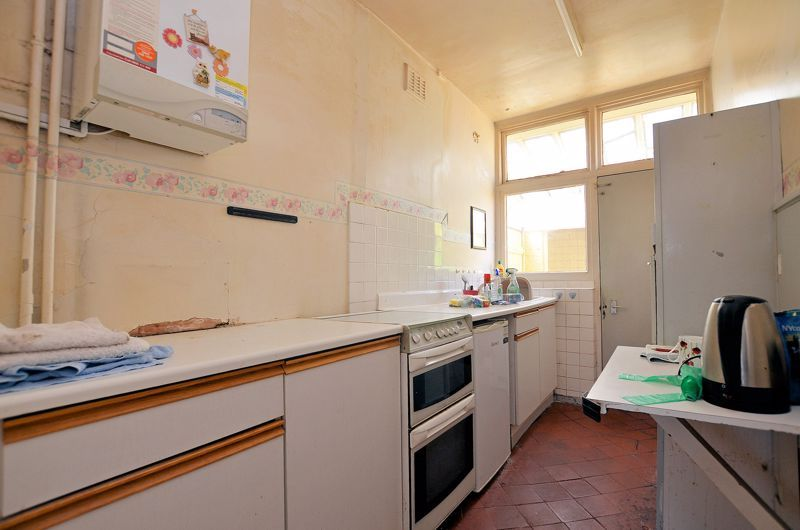 3 bed house for sale in Beechwood Road  - Property Image 10