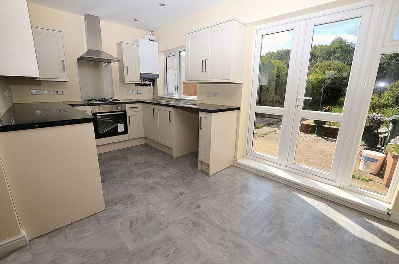 3 bed house for sale in Ashes Road  - Property Image 2