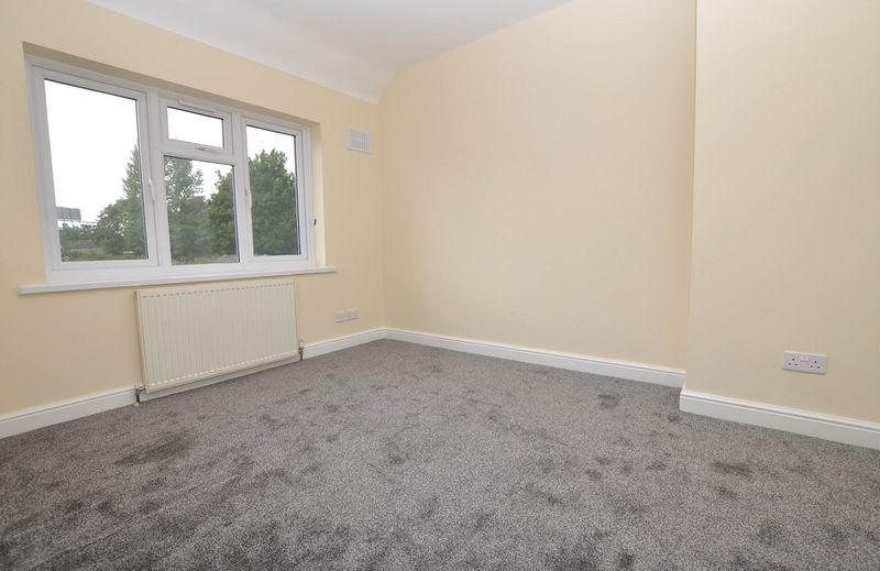 3 bed house for sale in Ashes Road 13