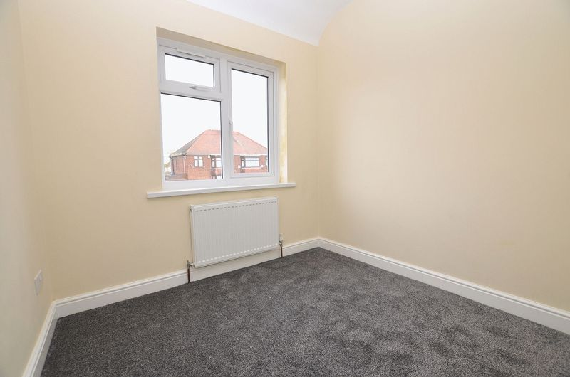 3 bed house for sale in Ashes Road 14
