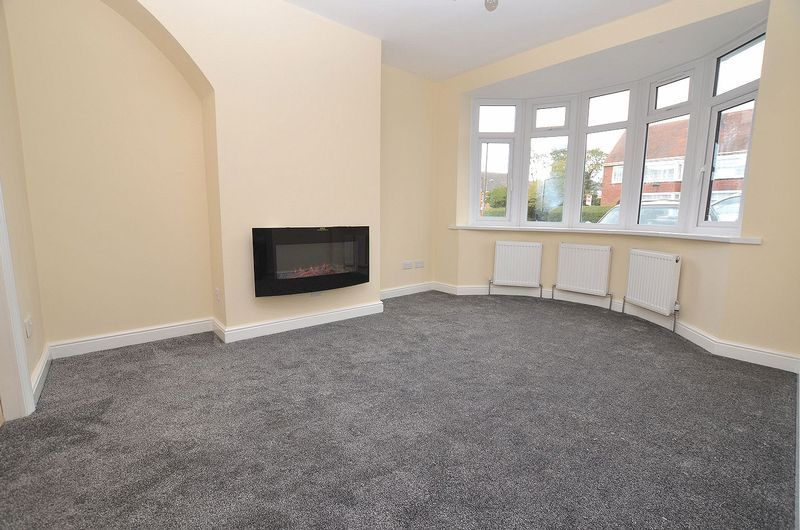 3 bed house for sale in Ashes Road 4
