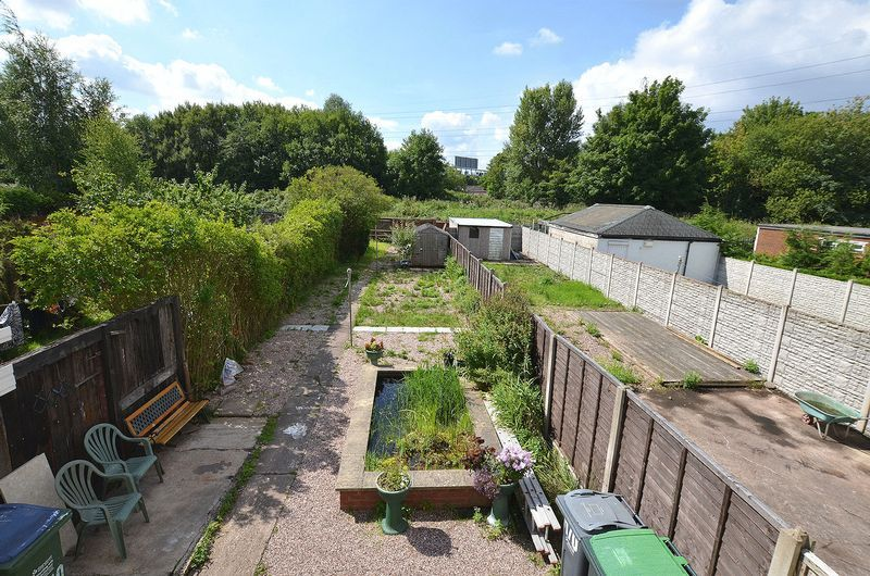 3 bed house for sale in Ashes Road 8