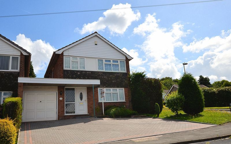 4 bed house to rent in Woodbury Road 1