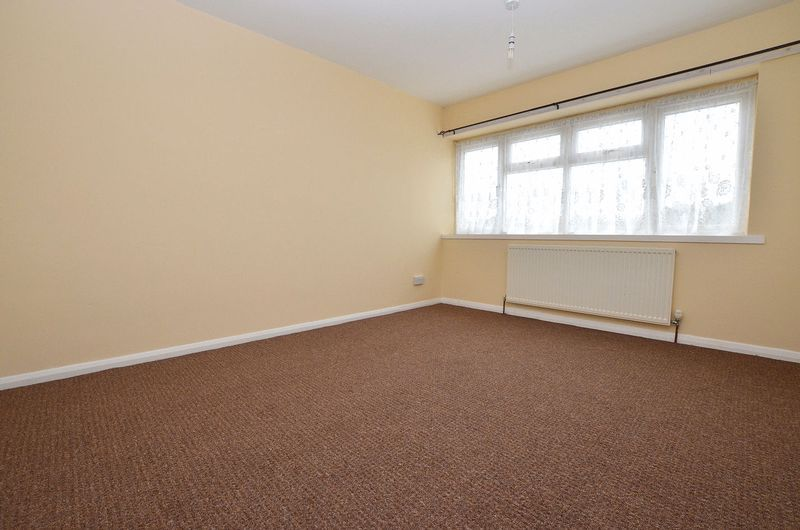 4 bed house to rent in Woodbury Road 11