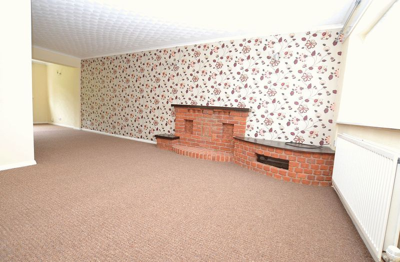 4 bed house to rent in Woodbury Road  - Property Image 3