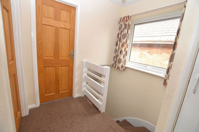 4 bed house to rent in Woodbury Road 5