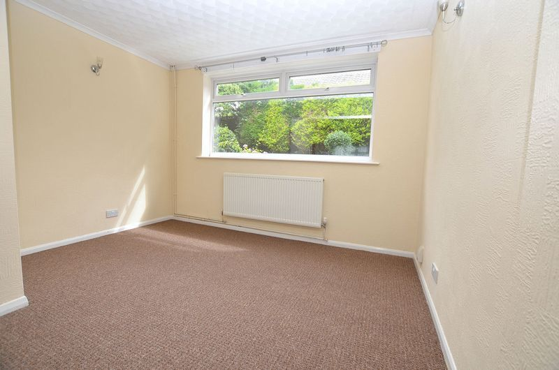 4 bed house to rent in Woodbury Road 6