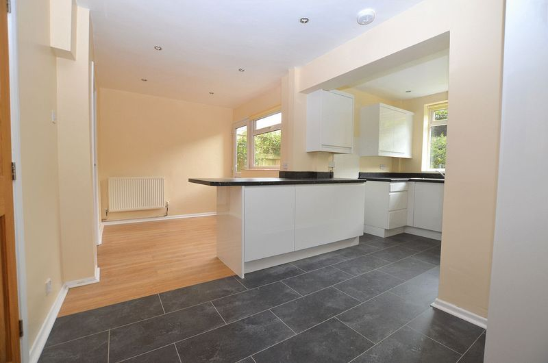 4 bed house to rent in Woodbury Road 8