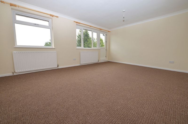 4 bed house to rent in Cedar Close  - Property Image 11