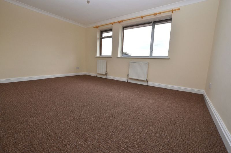 4 bed house to rent in Cedar Close 12