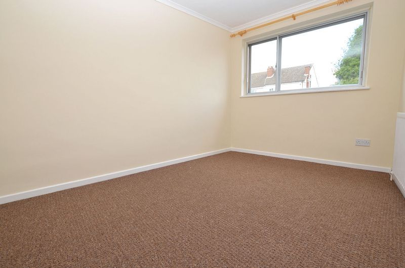 4 bed house to rent in Cedar Close  - Property Image 13